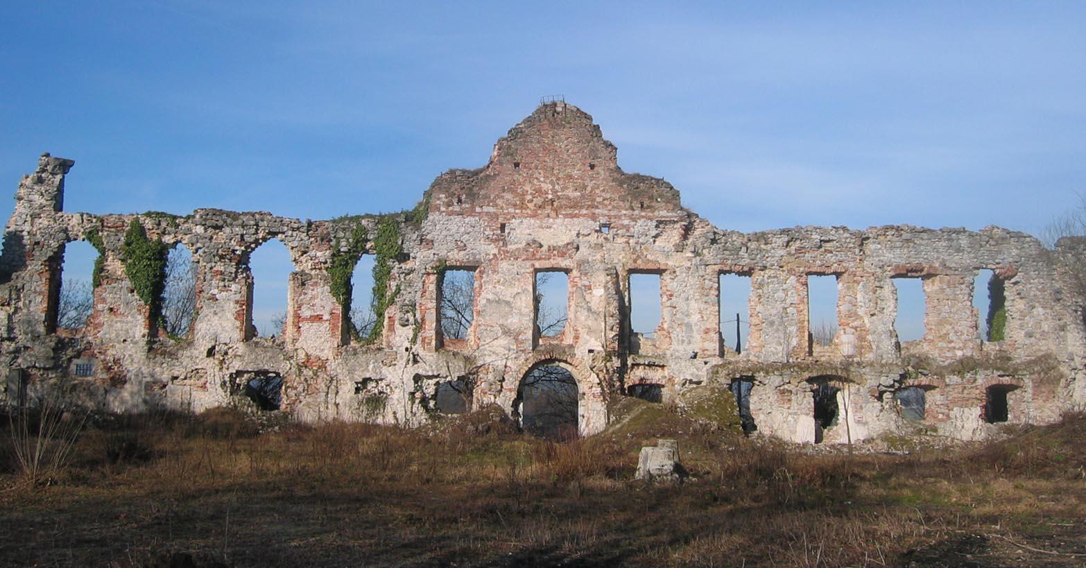 2 Castle Bottanj Today
