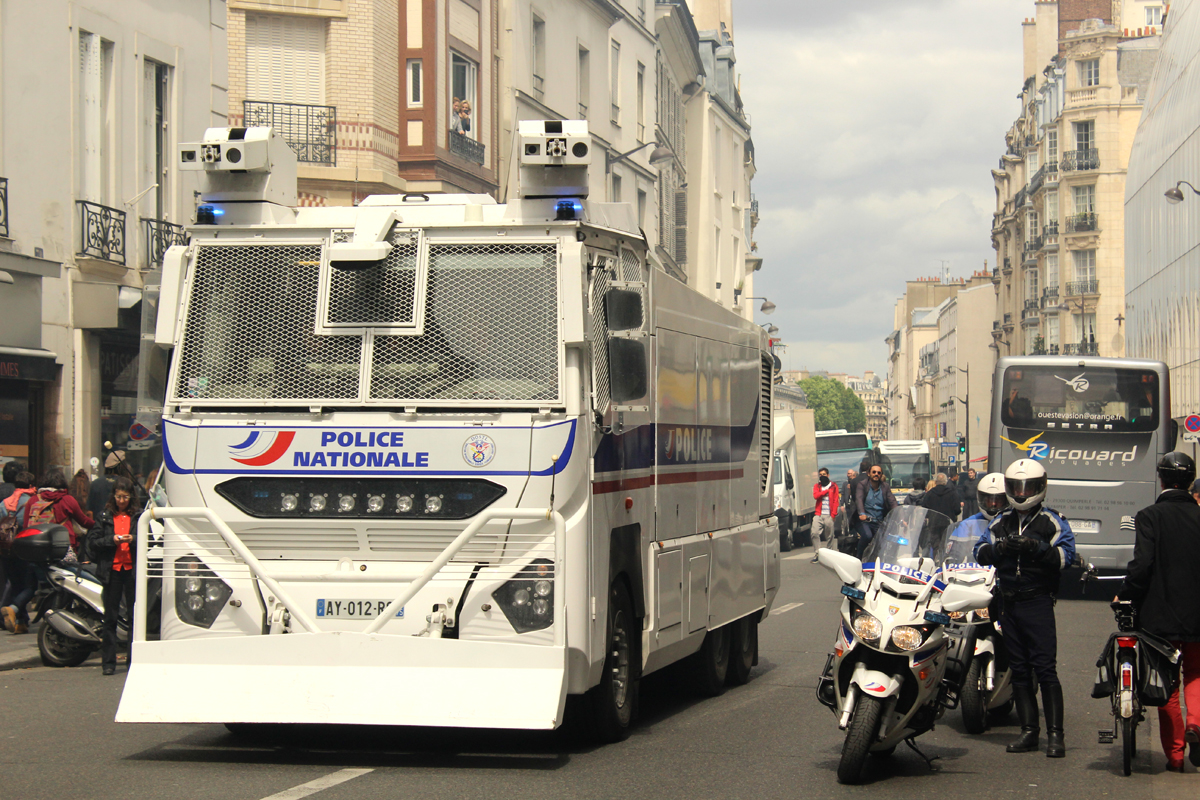 Paris Demonstration Police - Photo by Leopold Lambert (6)